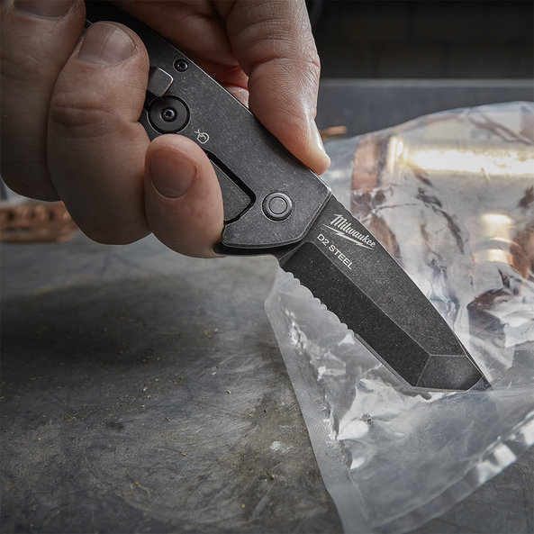 "3"" HARDLINE™ Serrated Blade Pocket Knife"