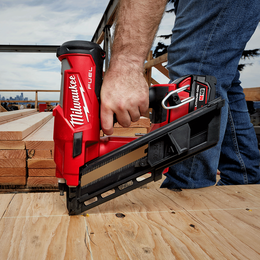 M18 FUEL™ 30° - 34°  Framing Nailer Kit