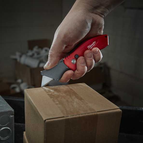 Fastback™ Compact Flip Utility Knife