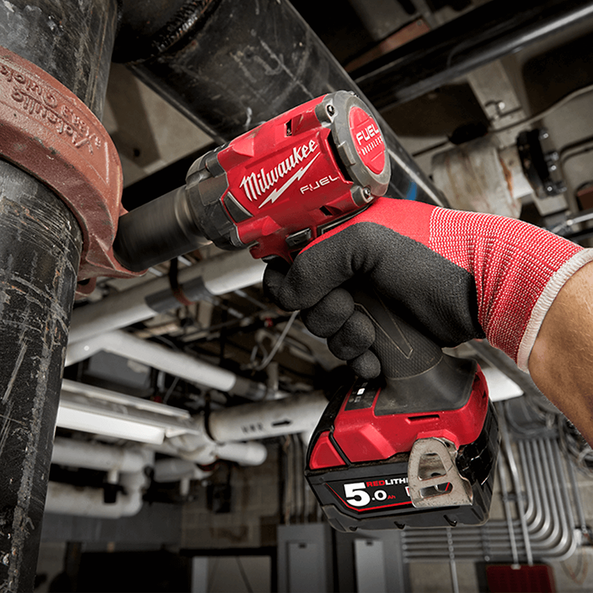 "M18 FUEL™ 1/2"" Compact Impact Wrench with Friction Ring (Tool Only), , hi-res"