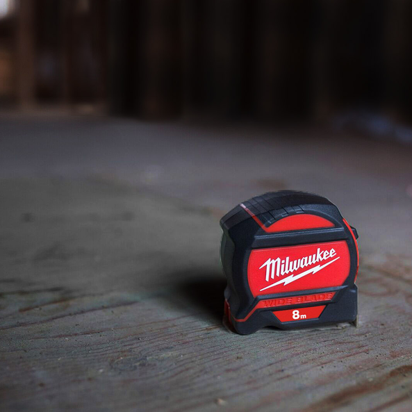 8M WIDE BLADE™ Tape Measure