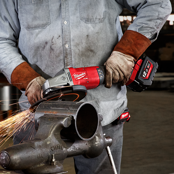 M18 FUEL™ 180mm/230mm Large Angle Grinder