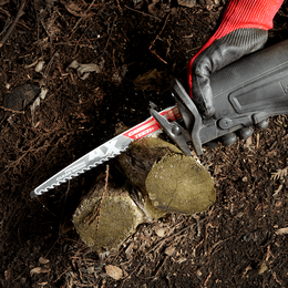 The AX™ With Carbide Teeth For Pruning And Clean Wood 225mm 1Pk